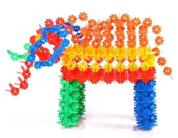 giochi di costruzioni per bambini giocattoli per bambini. Black Bedroom Furniture Sets. Home Design Ideas