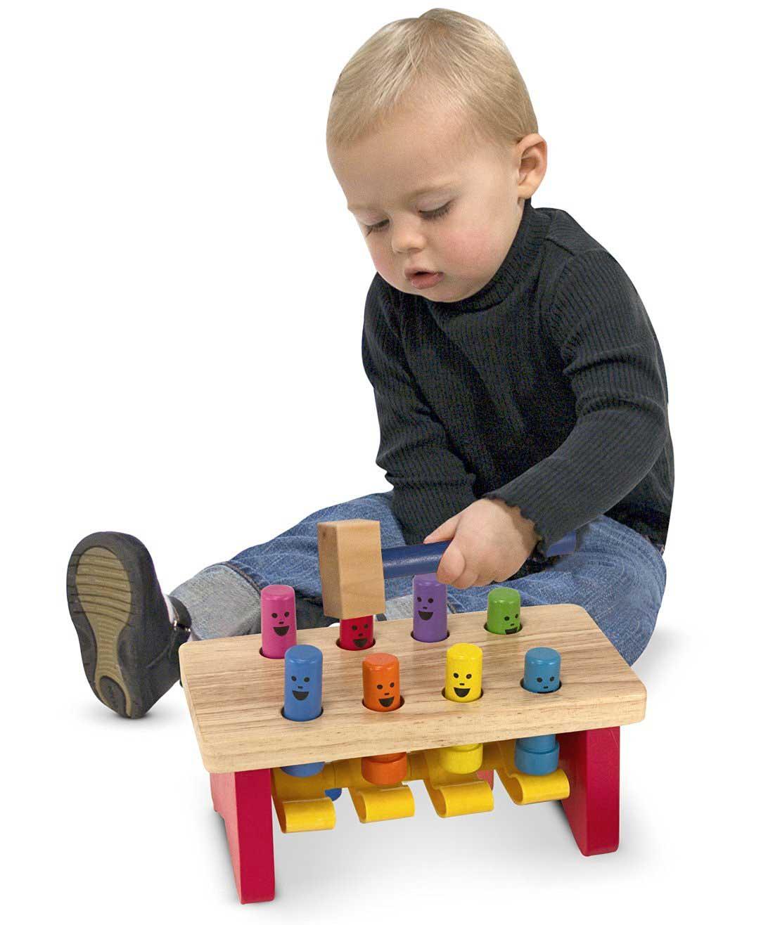 giocattolo-in-legno-con-design-colorato