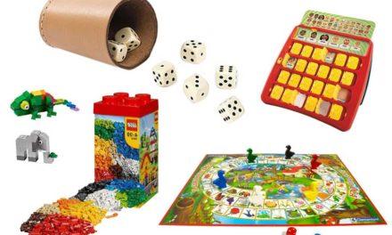 Dadi e mattoncini giochi da tavolo